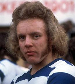 Taglio di capelli uomo anni 70