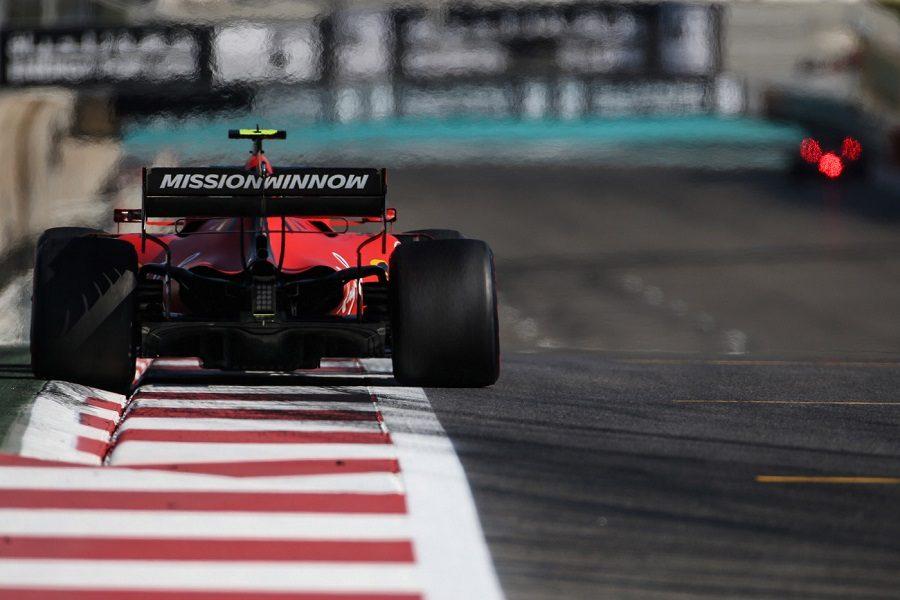 Formula 1 - Gp Abu Dhabi: Leclerc ci prova nel fortino Mercedes ma è Hamilton ad agguantare la pole