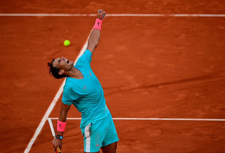 Roland Garros: In finale Nadal affonda un Djokovic spento