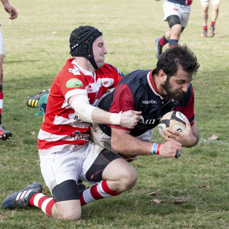 Rugby - Bologna cede alla capolista solo nel finale