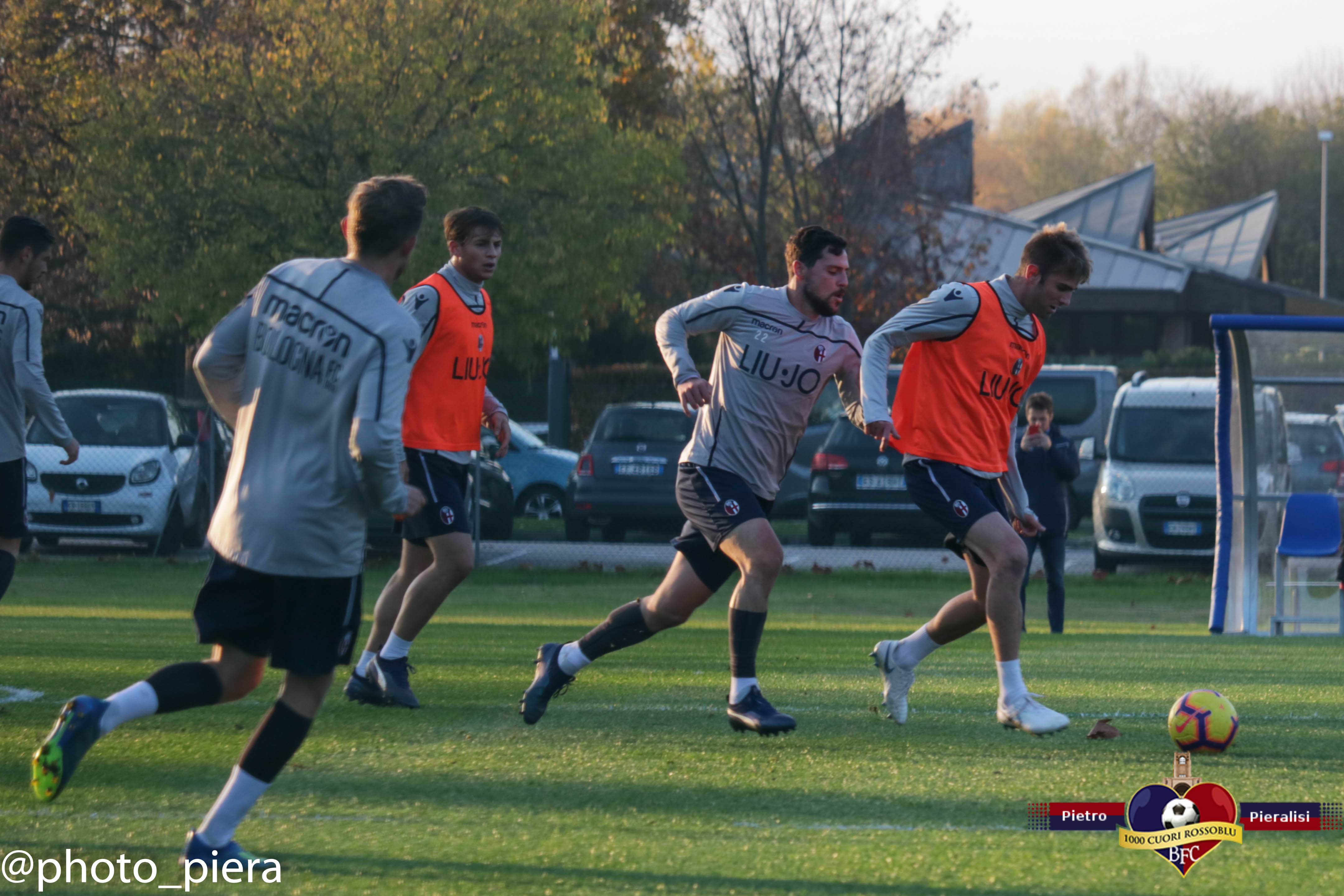 Le foto dell'allenamento del Bologna del 27/11/2018