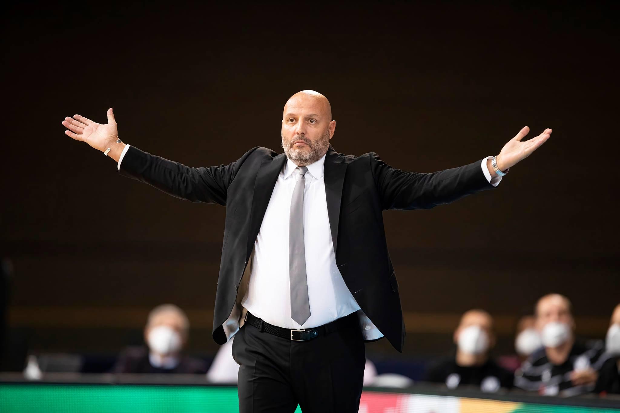 """Virtus Segafredo-Reggio Emilia, le parole di coach Djordjevic nel post-partita: """"E' un momento difficile, mi assumo le responsabilità e ci metto la faccia davanti alla società ed ai tifosi"""""""