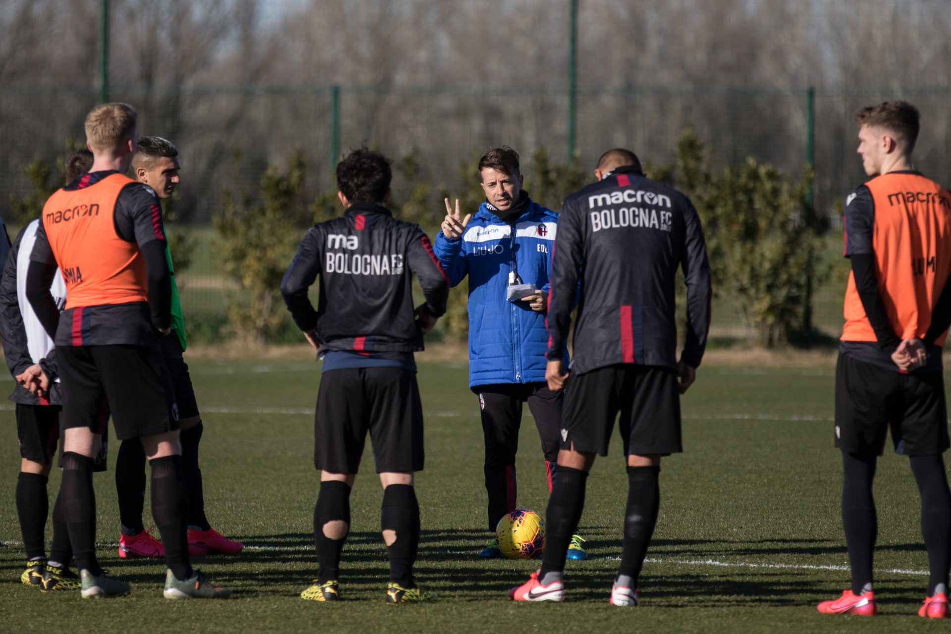 Radio Casteldebole Weekly: Soriano is out, Orsolini and Barrow are back