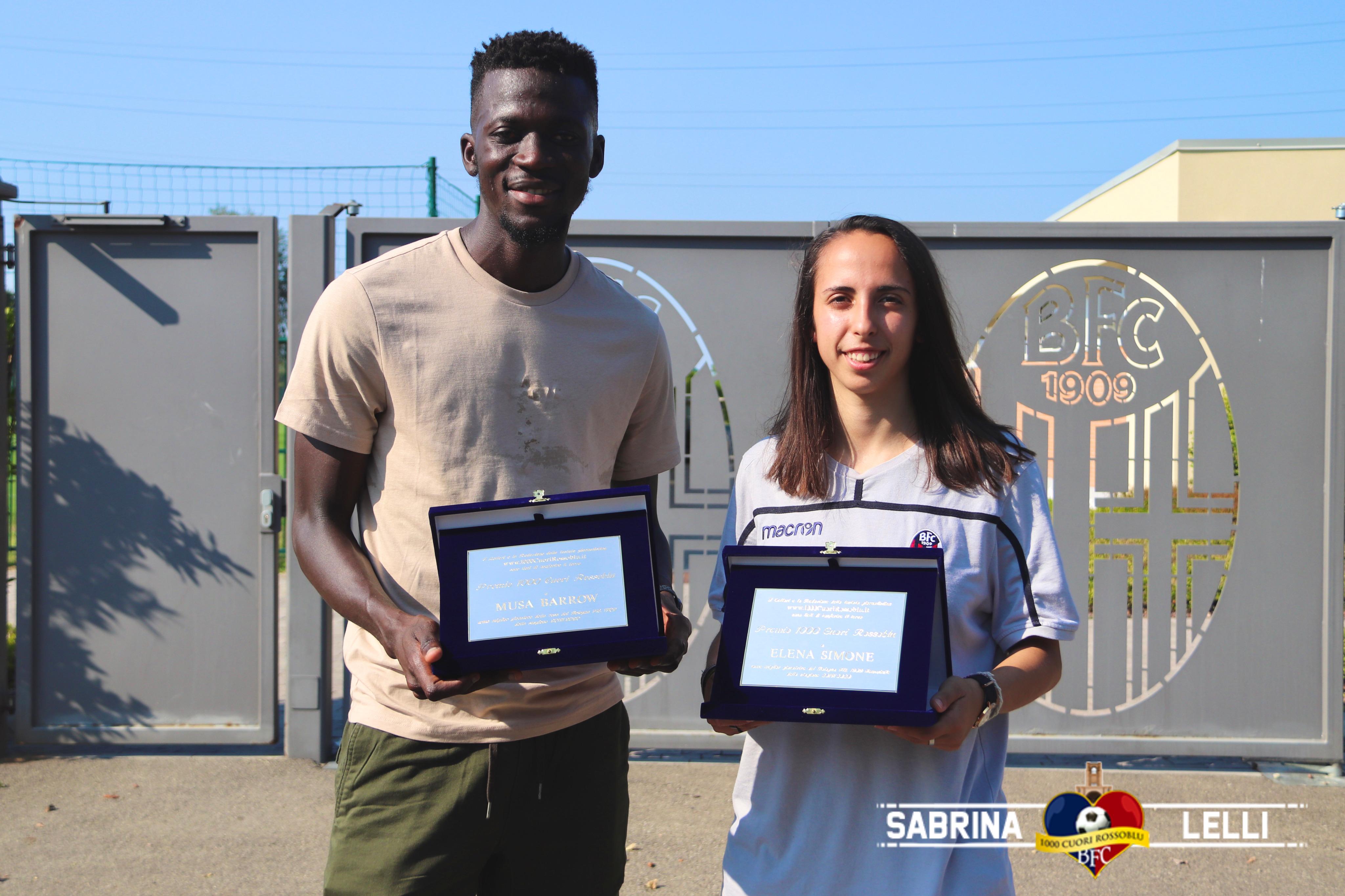 """Consegnato il """"Premio 1000 Cuori Rossoblù"""" a Musa Barrow ed Elena Simone"""