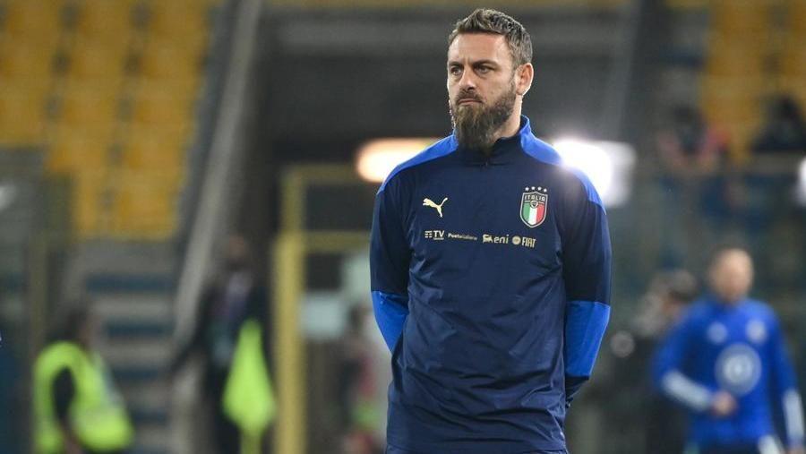 NIGHTLINE - Focolaio Nazionale: De Rossi ricoverato per covid. La Rai si aggiudica i diritti TV per Qatar2022