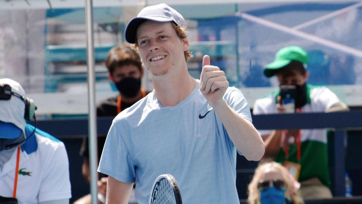 NIGHTLINE - Record italiano nel tennis maschile. Altri giocatori azzurri positivi al Covid. La Roma perde El Shaarawy. La ASL blocca una partita di Serie B