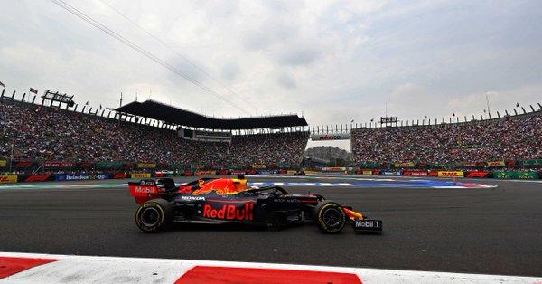 Formula 1 - Gp del Messico: Verstappen è il migliore, ma su di lui pende il giudizio degli steward. Dietro l'olandese le due Ferrari